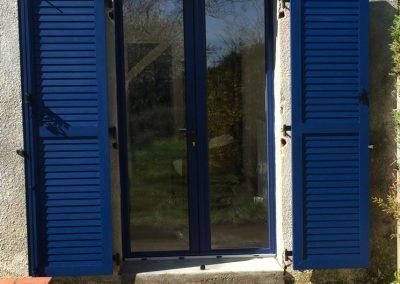 Chantier ??? : menuiseries PVC bleu acier