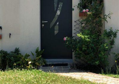 Chantier Marcilly en Vilette : porte d'entrée bicolore