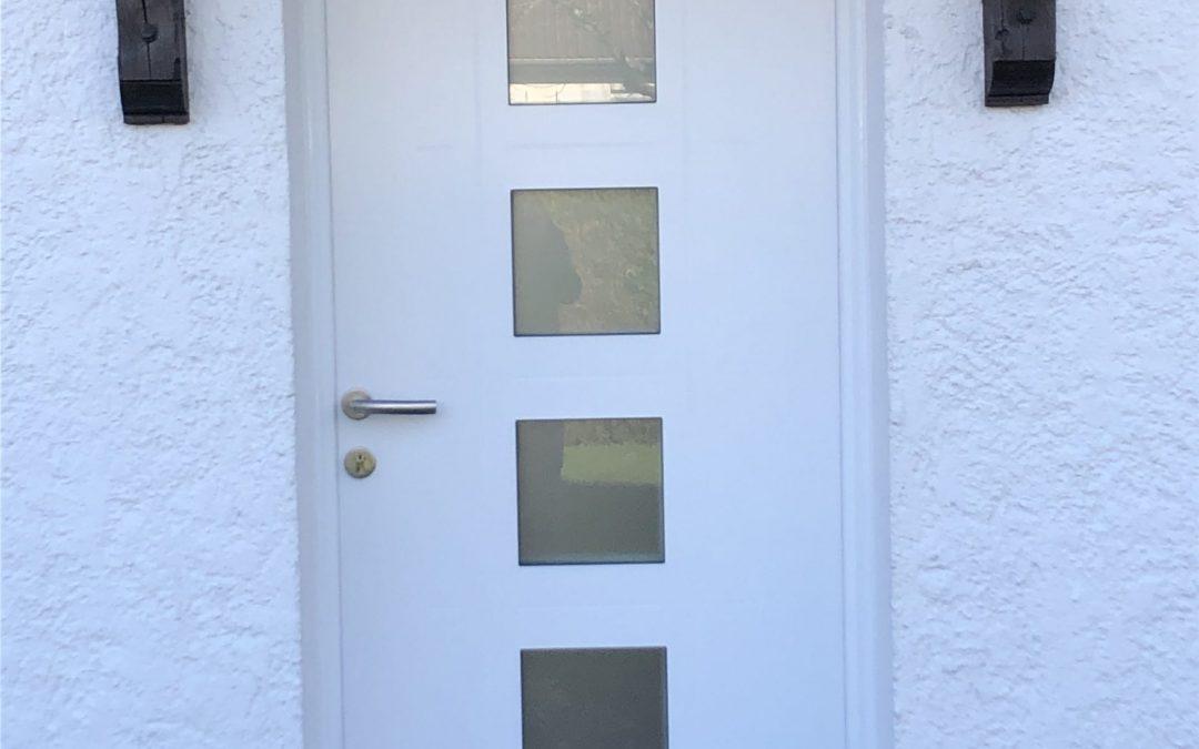 Chantier ST JEAN DE LA RUELLE : Porte d'entrée PVC